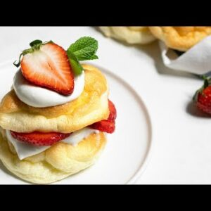 Easy Keto Strawberry Shortcake [Made with Cloud Bread]
