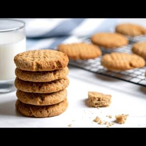 Keto Peanut Butter Cookies [Easy & Delicious]