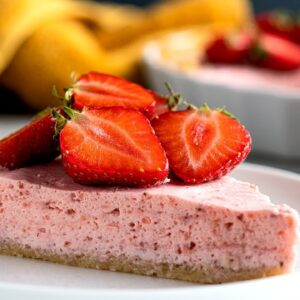 Keto Strawberry Cream Pie Recipe [Perfect for Summer]